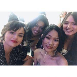 23 Июня новое фото и видео Селены с фанатами на Choc Prom