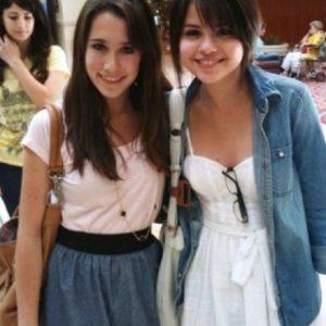 25 Августа редкие фото Селены с фанатами в 2009 году