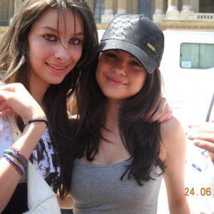 Редкое фото Селены с фанатом в 2010 году