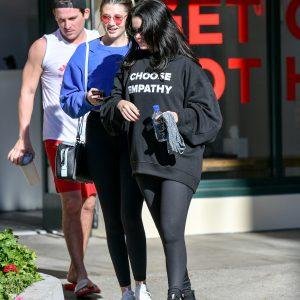 28 Декабря Селена покидает спортзал Hot Pilates в Лос-Андлжелесе