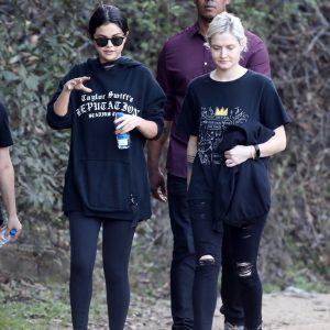21 Декабря Селена на прогулке в Лос-Анджелесе