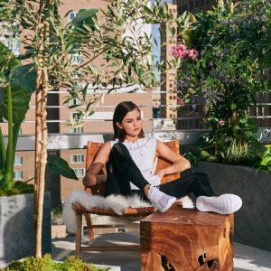 7 Марта новые фото Селены из фотосессий для Puma