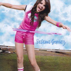 17 Марта сканы новых постеров с Селеной из журнала Pop Star 2008 года
