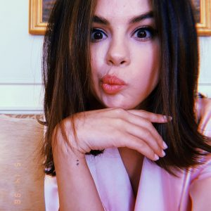 14 Мая Селена на Инстаграме: Привет Канны здесь красиво