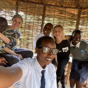 10 Декабря Селена на благотворительной миссии в Кении с We Day