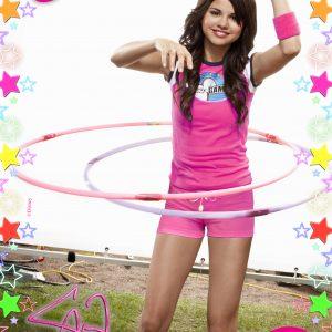 19 Февраля новый HD постер с Селеной из журнала Pop Star 2008 года