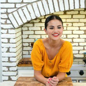 12 Августа новый стилл из кулинарного шоу Селены «Селена + Шеф»