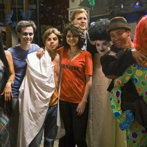 28 Октября новое фото из-за кулис со съемок Хэллоуинской серии Волшебники Из Вейверли Плейс!