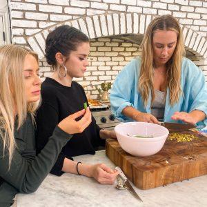18 Ноября первое фото со съемок специальной серии кулинарного шоу Селена + Шеф