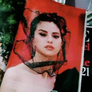 30 Ноября фанатские фото журнала Vogue Мексика с Селеной на обложке