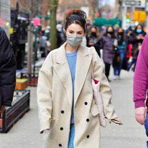 17 Января больше фото Селены на съемках Only Murders In The Building в Нью-Йорке