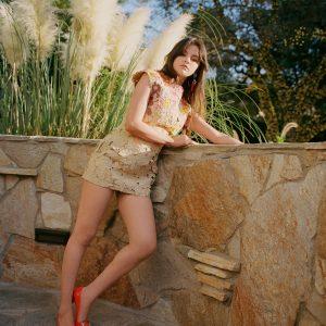 9 Марта новая фотосессия Селены для журнала Vogue