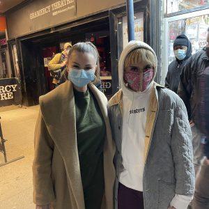 13 Марта Селена с фанатами в Нью-Йорке
