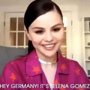 16 Марта Селена передает привет фанатам из Германии