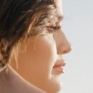 28 Апреля @RareBeauty на IGTV: Для@selenagomez, путешествие к самопознанию начинается изнутри