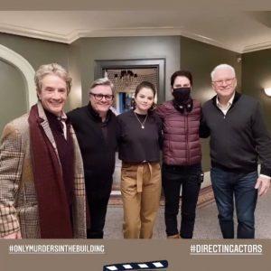7 Апреля новое фото Селены и других актеров на съемках сериала Only Murders In The Building